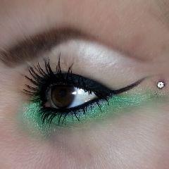 blackeye green make up dermal