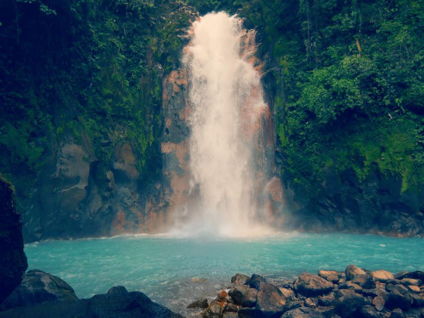 Foto tomada por mí en Río Celeste, Guanacaste, Costa Rica.